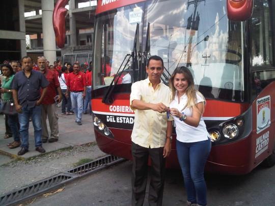 Alcalde Otoniel Meléndez recibió llaves de la unidad